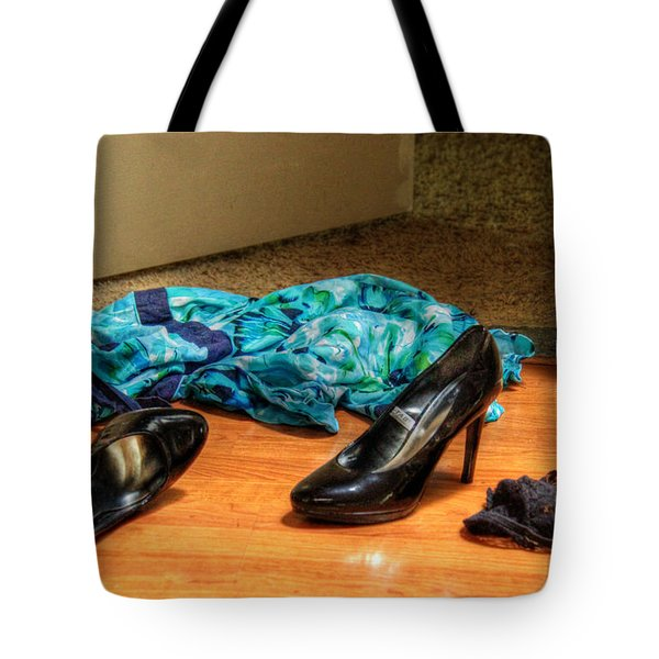 Tote Bag featuring the photograph Rendezvous Do Not Disturb by Andy Lawless