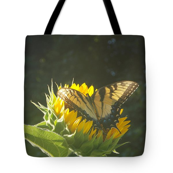 Tote Bag featuring the photograph Rest Stop by Virginia Coyle