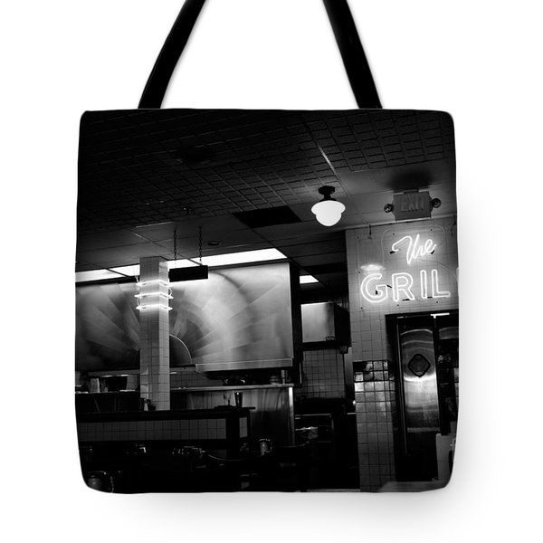 Retro Diner In Athens, Georgia -black And White Tote Bag