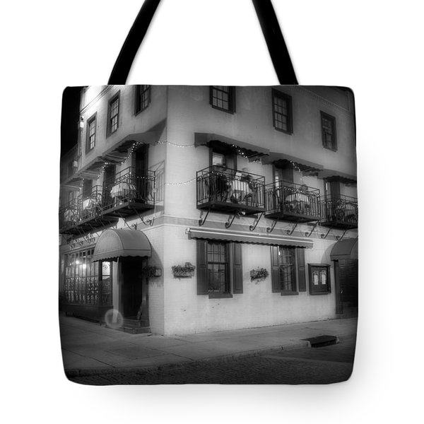 Riverboat Landing On Market Street In Black And White Tote Bag