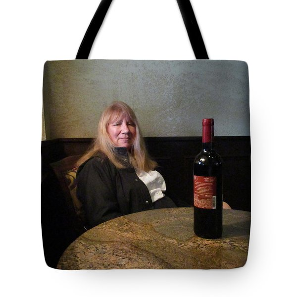 Robin At The Cafe Tote Bag