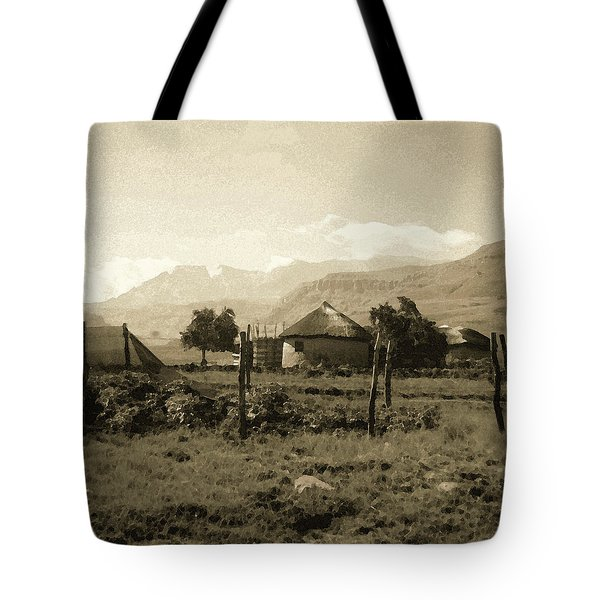 Tote Bag featuring the photograph Rondavel In The Drakensburg by Susie Rieple