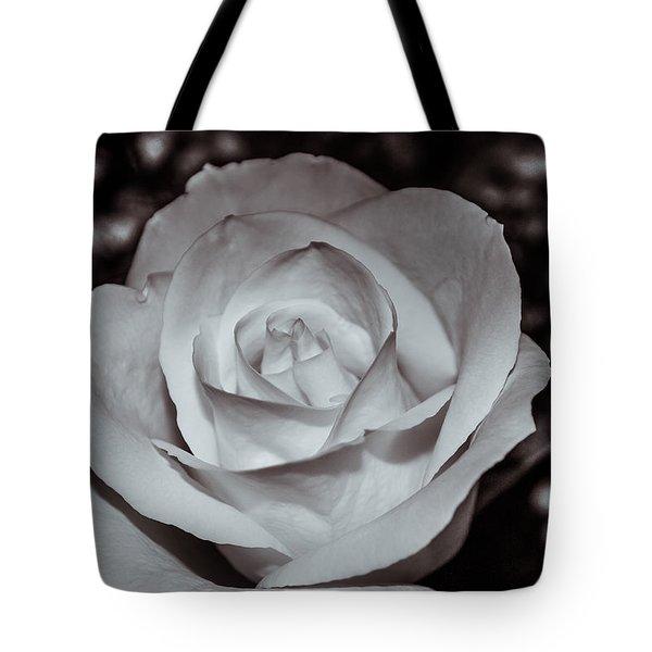Rose B/w - 9166 Tote Bag