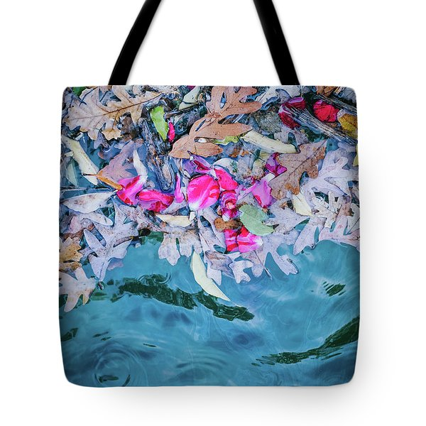 Rose Garden Fountain II Tote Bag
