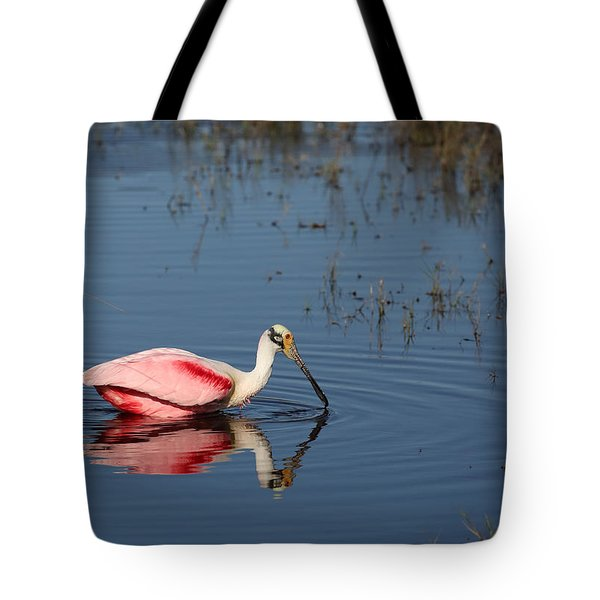 Roseate Spoonbill At Merritt Island Nwr Tote Bag