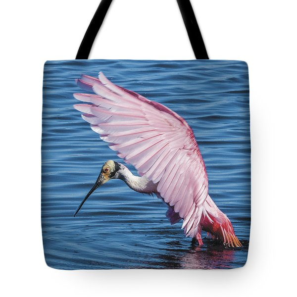 Roseate Spoonbill Profile With Wings Over Her Head Tote Bag
