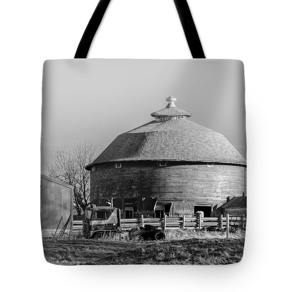Tote Bag featuring the photograph Round Barn by Dan Traun