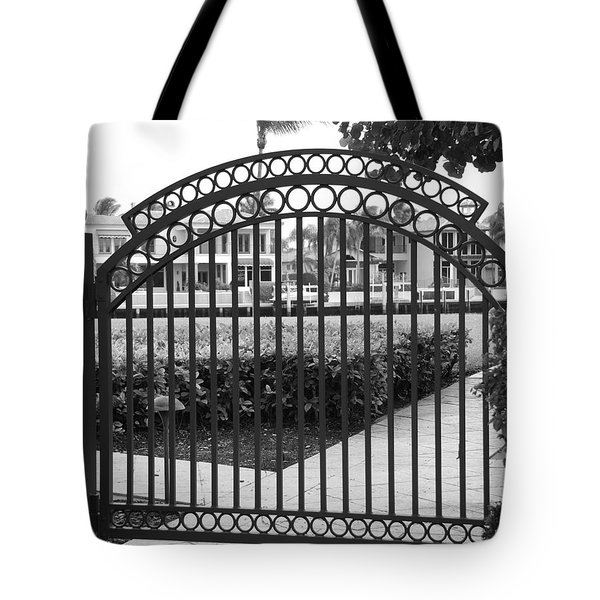 Royal Palm Gate Tote Bag by Rob Hans