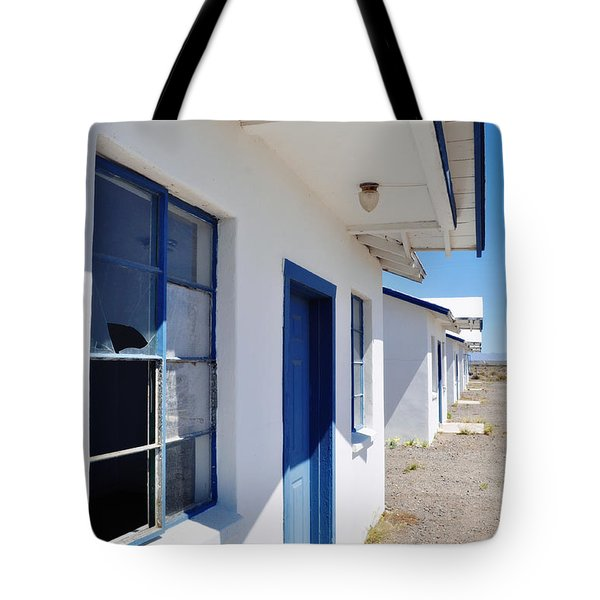 Roy's Motel And Cafe Auto Court Tote Bag by Kyle Hanson