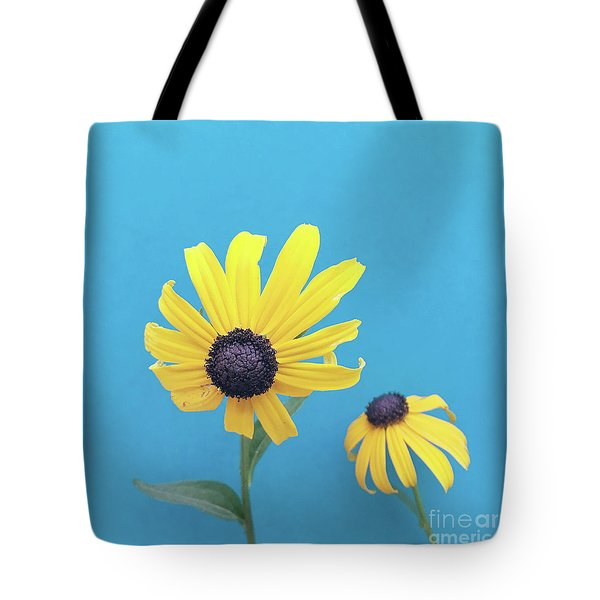 Tote Bag featuring the photograph Rudbeckia 2 by Cindy Garber Iverson