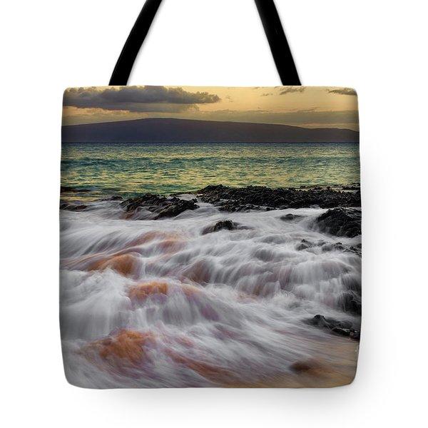 Running Wave At Keawakapu Beach Tote Bag