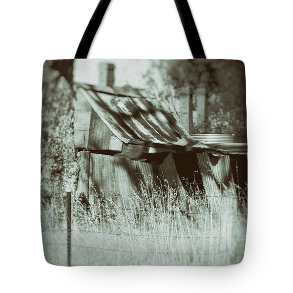 Tote Bag featuring the photograph Rural Reminiscence by Linda Lees