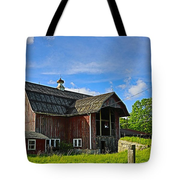 Tote Bag featuring the photograph Rustic Barn In The Catskills by Paula Porterfield-Izzo