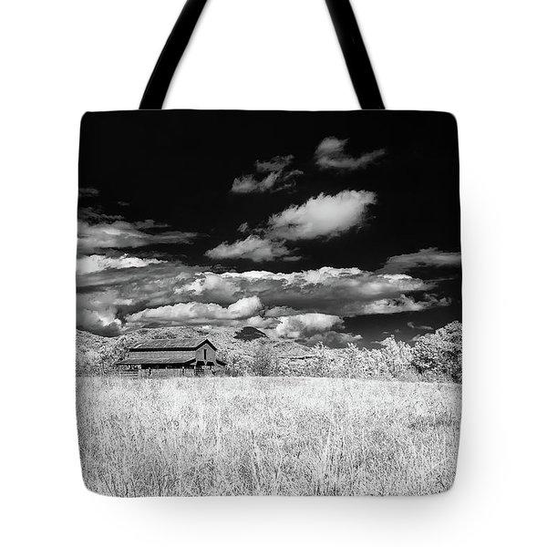S C Upstate Barn Bw Tote Bag