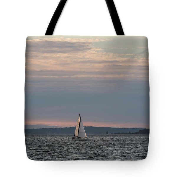 Sailing In The Puget Sound Tote Bag