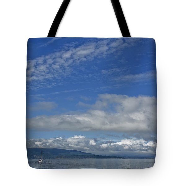 Sailing In The San Juan Islands Tote Bag