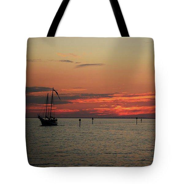 Sailing Sunset Tote Bag