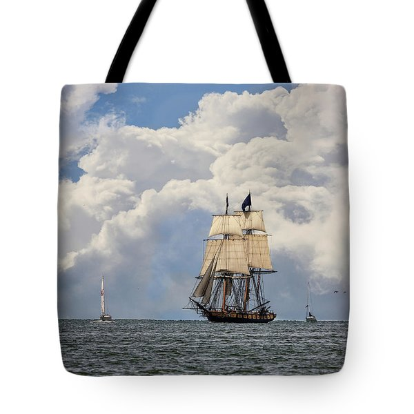 Tote Bag featuring the photograph Sailing To Port by Dale Kincaid