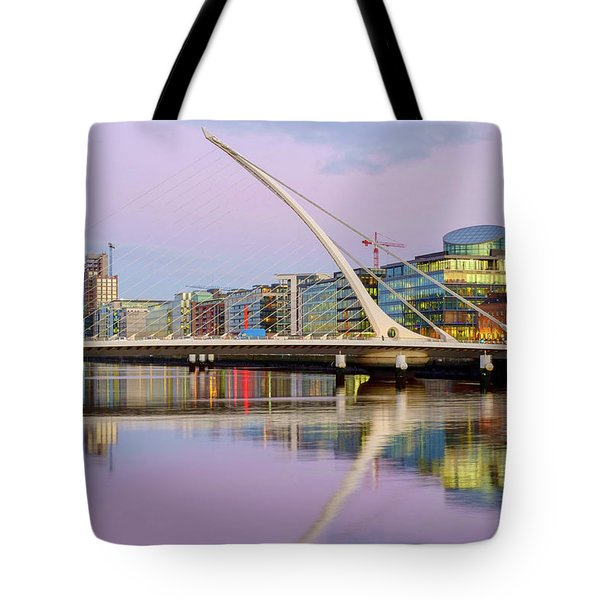Samuel Beckett Bridge At Dusk Tote Bag