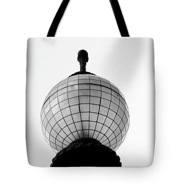 San Francisco Street Light- By Linda Woods Tote Bag