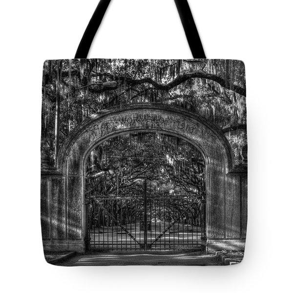 Tote Bag featuring the photograph Savannah's Wormsloe Plantation Gate Bw Live Oak Alley Art by Reid Callaway