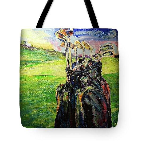 Schwarze Golftasche  Black Golf Bag Tote Bag by Koro Arandia