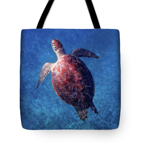 Tote Bag featuring the photograph Sea Turtle by Lars Lentz