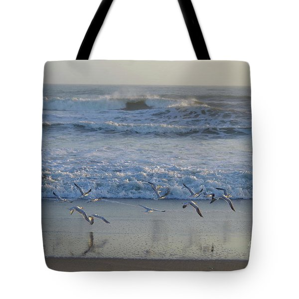 Seagull Flight Tote Bag
