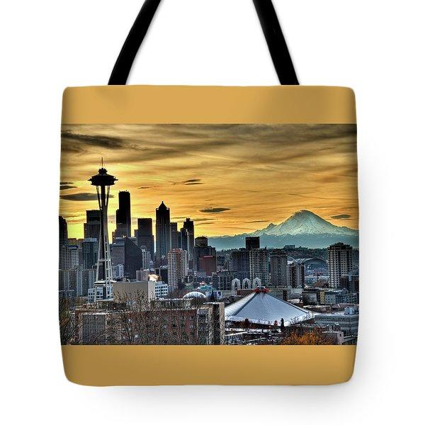 Seattle Skyline - Mt Rainier Tote Bag