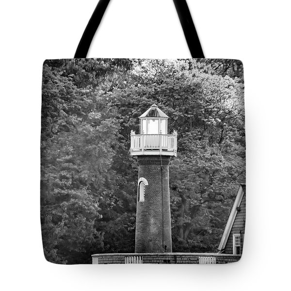 Tote Bag featuring the photograph Sedgely Club - Turtle Rock Lighthouse by Bill Cannon