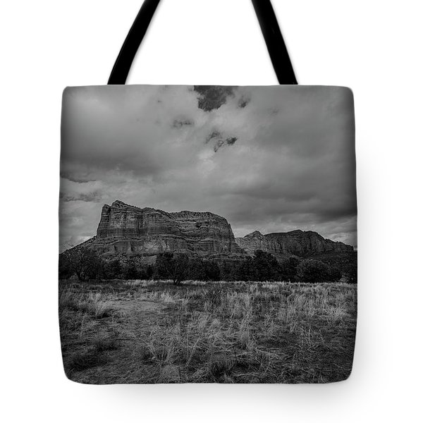 Sedona Red Rock Country Arizona Bnw 0177 Tote Bag by David Haskett