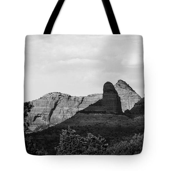 Tote Bag featuring the photograph Sedona To The North by Ross Henton