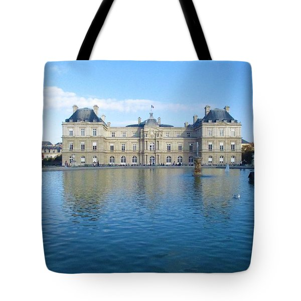Tote Bag featuring the photograph Senat From Jardin Du Luxembourg by Christopher Kirby