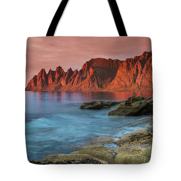 Senja Red Tote Bag