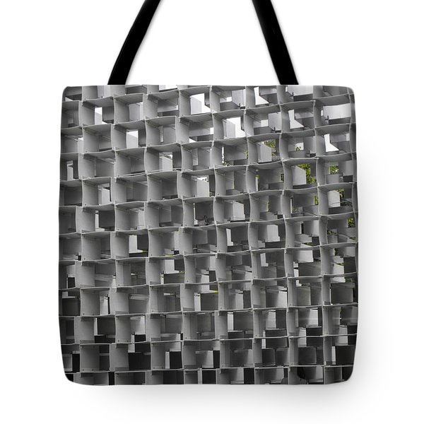 Serpentine Pavilion 02 Tote Bag