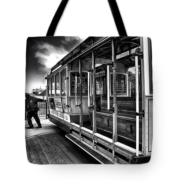 Tote Bag featuring the photograph Sf Cable Car Turn About by Joseph Hollingsworth