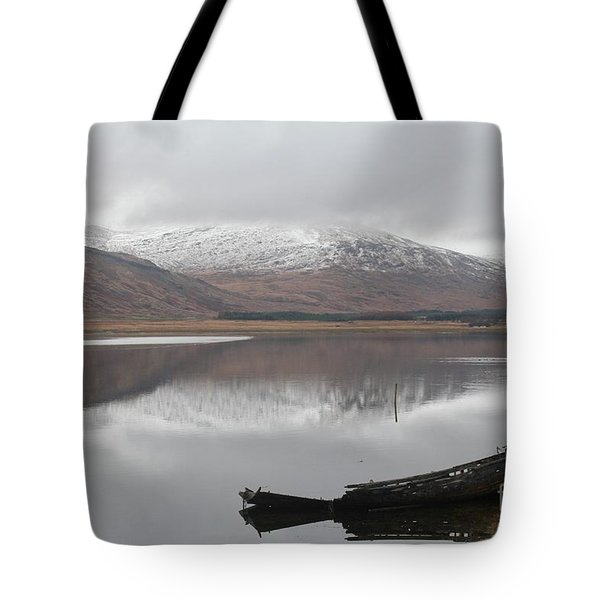 Ship Reck On Isle Of Mull Tote Bag