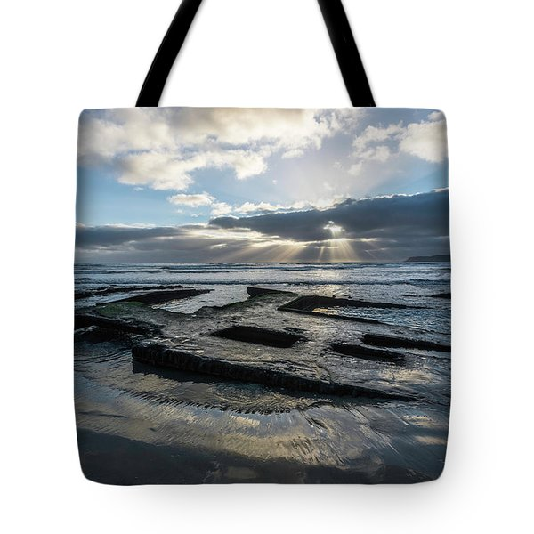 Shipwreck And Sun Rays Tote Bag by Scott Cunningham