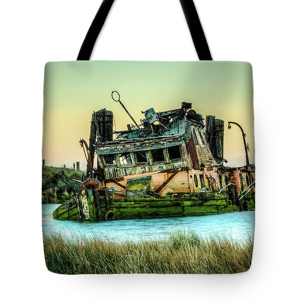 Shipwreck - Mary D. Hume Tote Bag