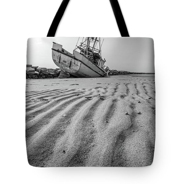 Tote Bag featuring the photograph Shipwreck Provincetown by Edward Fielding