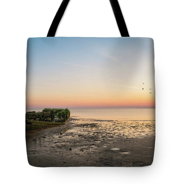 Shipwreck Sunset Panorama  Tote Bag