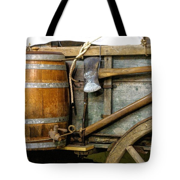 Side View Of A Covered Wagon Tote Bag