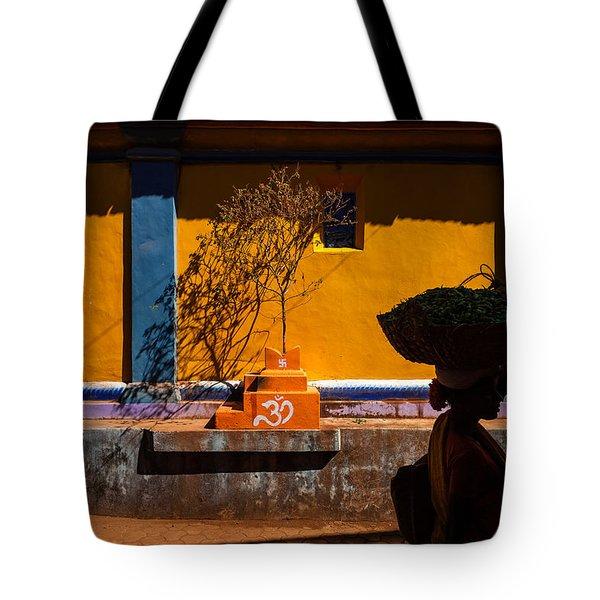 Silhouette Tote Bag