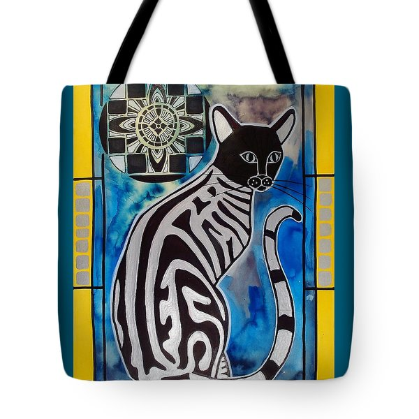 Silver Tabby With Mandala - Cat Art By Dora Hathazi Mendes Tote Bag