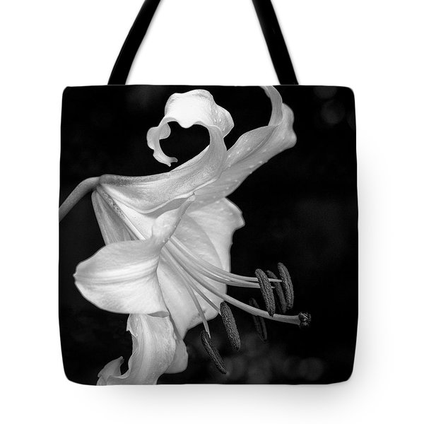 Single Lily In Black And White. Tote Bag