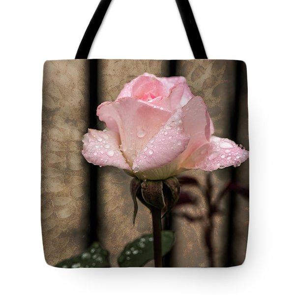 Single Pristine Tote Bag