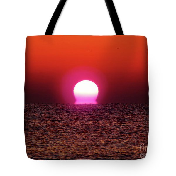 Tote Bag featuring the photograph Sizzling Sunrise by D Hackett