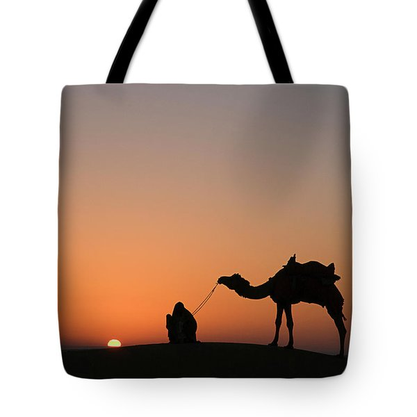 Skn 0870 Silhouette At Sunrise Tote Bag