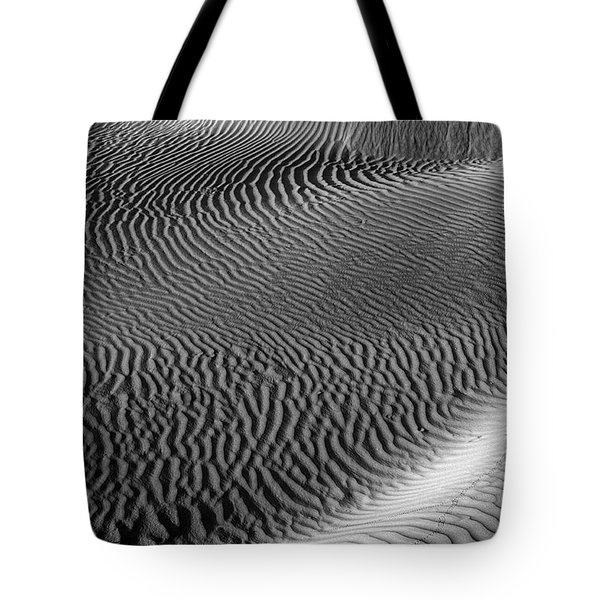 Skn 1129 Corrugation Tote Bag