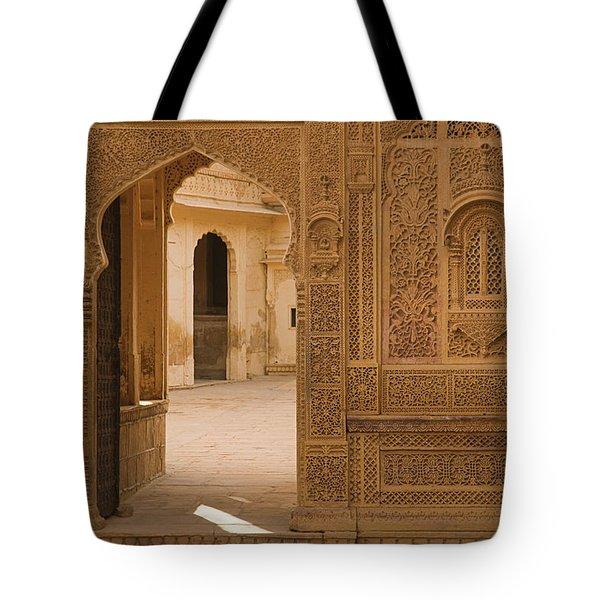 Skn 1317 Threshold Of Carvings Tote Bag